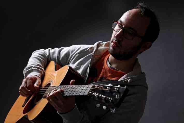 Filippo, insegnante di chitarra e basso