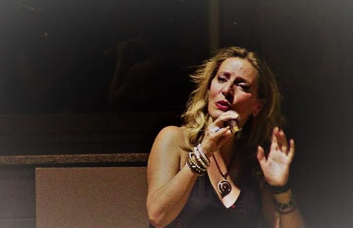 Claudia, insegnante di canto