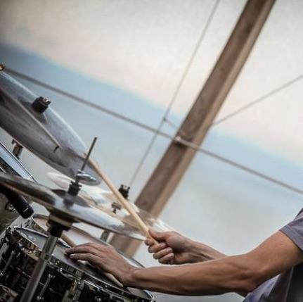 Impara a suonare la batteria e le percussioni